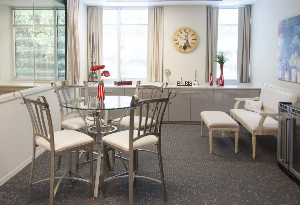 paris-client-lounge-1024x701.jpg